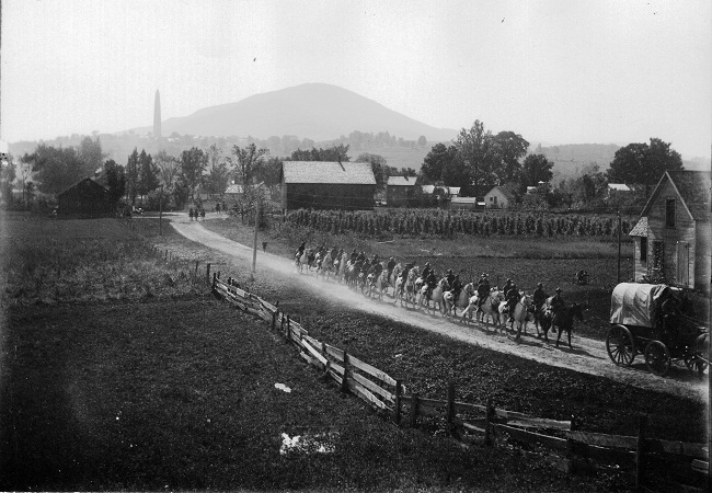 bennington-monument-and-mount-anthony-from-rr