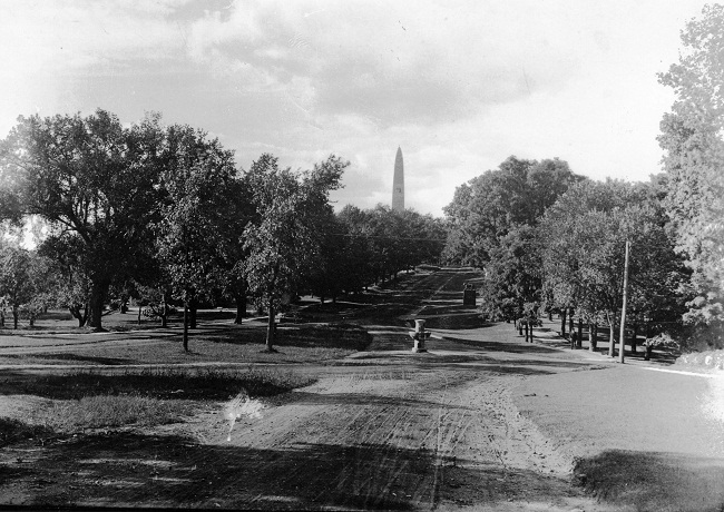 bennington-monument-looking-north