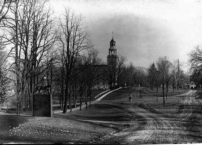 catamount-tavern-sit-monument-avenue-looking-south