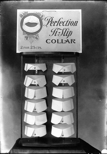collars-873