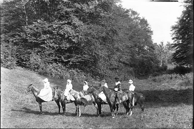 pagent-horseback